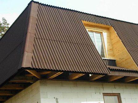 ондулин на крыше дома в Раздольном