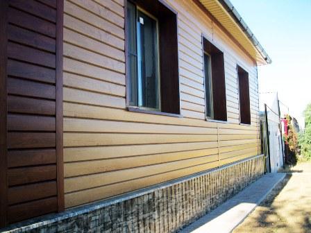 Купить недорогой цокольный и виниловый сайдинг для наружной отделки дома по доступной цене в Севастополе предлагает «Завод кровельных материалов»
