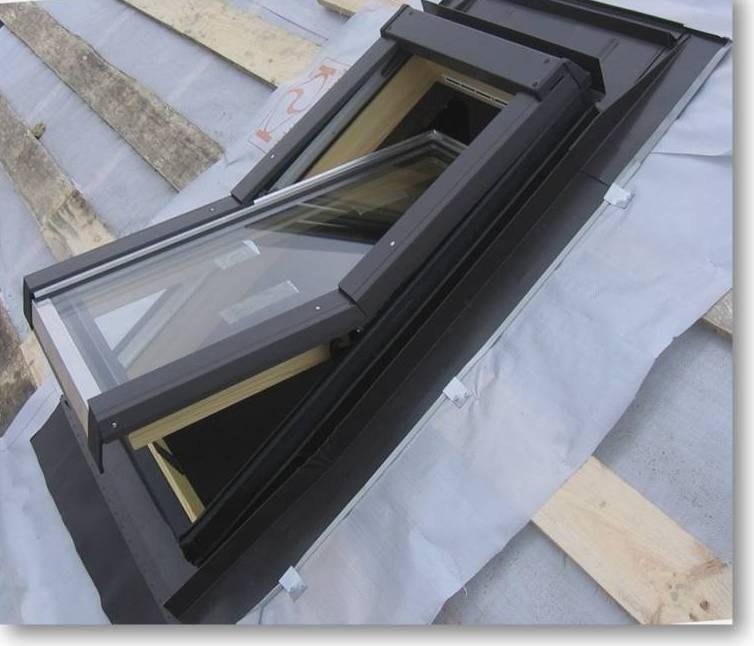 Заказать недорогие мансардные окна от лучших производителей в Алуште предлагает компания «Завод кровельных материалов»