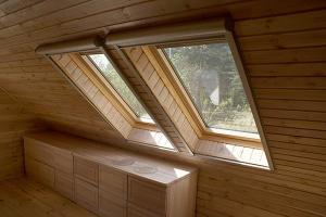 мансардные окна в загородном доме