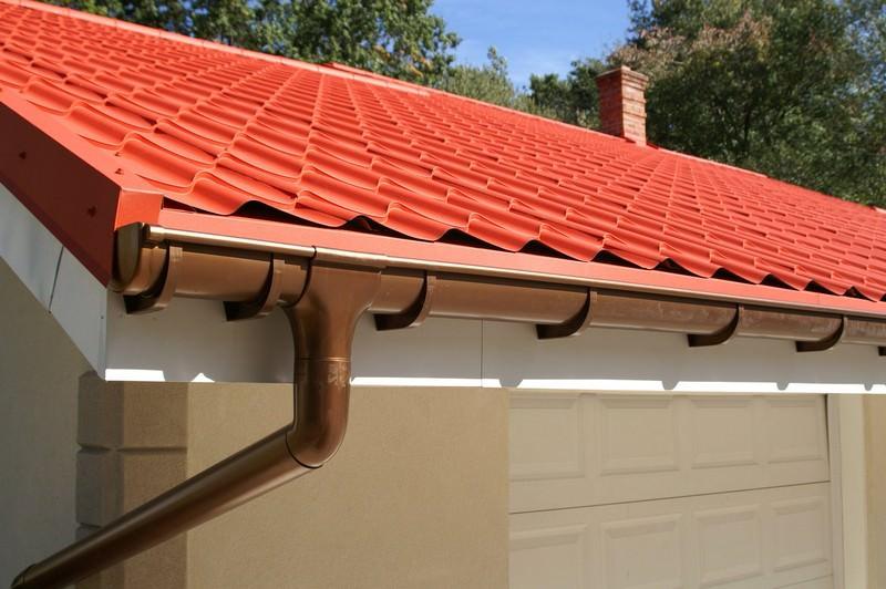 Купить водосточную систему для крыши недорого в Ялте предлагает «Завод кровельных материалов»