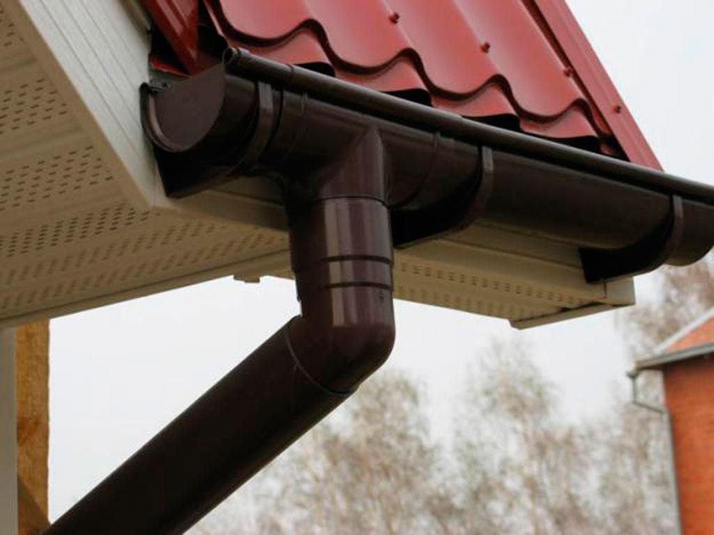 Купить водосток и водосточные системы по доступным низким ценам в Крыму предлагает «Завод кровельных материалов»